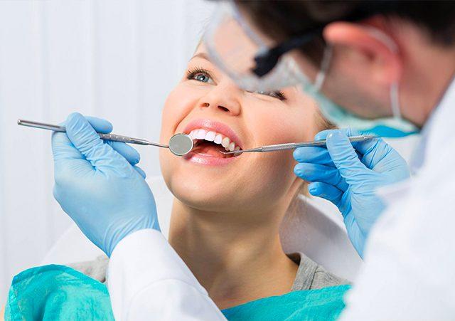 https://www.dentalmedical.net/wp-content/uploads/2018/04/DentalMedicalCasalgrande_IMPIANTODENTALE-640x451.jpg