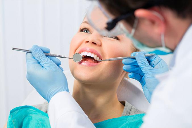 DentalMedicalCasalgrande_IMPIANTODENTALE.jpg