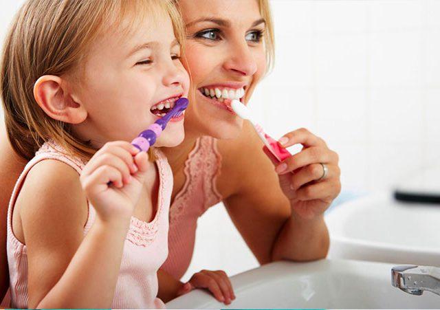 https://www.dentalmedical.net/wp-content/uploads/2019/03/DentalMedicalCasalgrande_IGIENEORALE-640x451.jpg